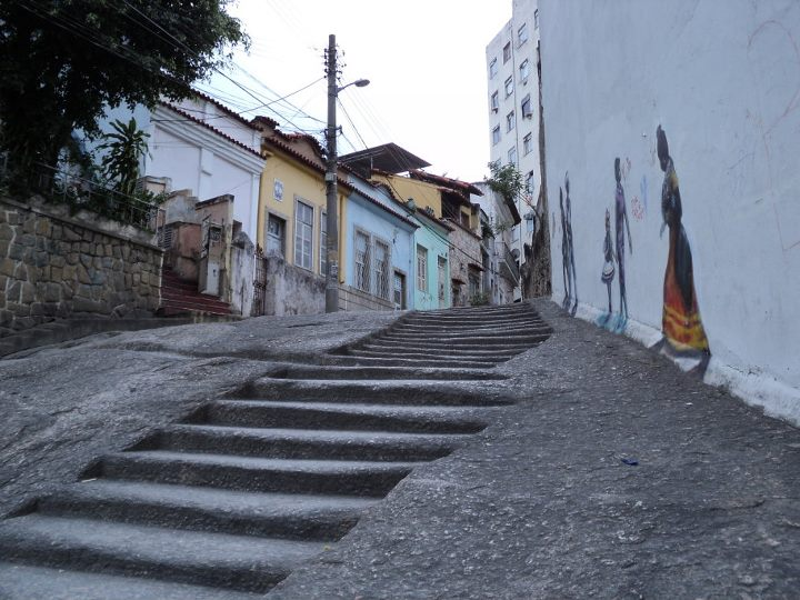 A escadaria talhada por mãos escravas. Foto: Sabrina Veloso 02/09/2011
