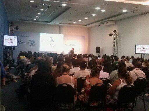 Os participantes do Conecta 2012 lotaram a sala para assistir à palestra da professora Priscila Monteiro. Foto: Andréa Motta (21/11/2012)