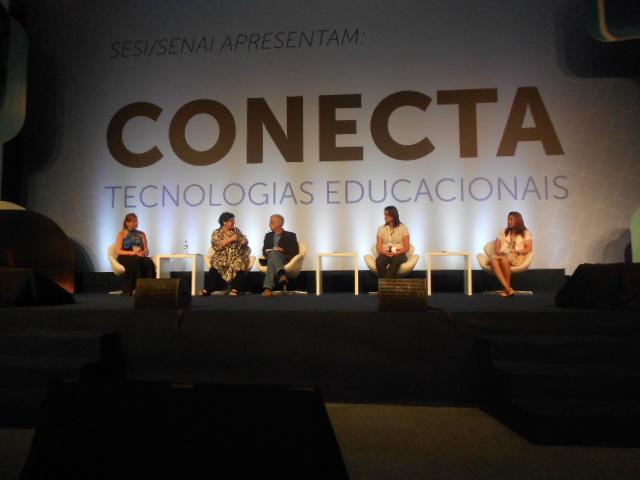 Professor Pacheco e as educadoras brasileiras. Foto: Andréa Motta (22/11/2012)