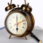 """""""Tic-tac-tic-tic...  o tempo passa..."""" Fonte da imagem: www.photl.com"""